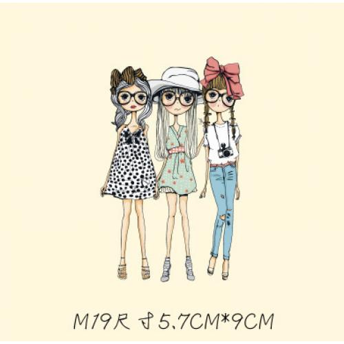 Термотрансфер, 5,7 см 9 см, две девочки в платьях, одна в джинсах. маленькие